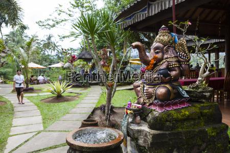 indonesien statue von ganesha in balinese