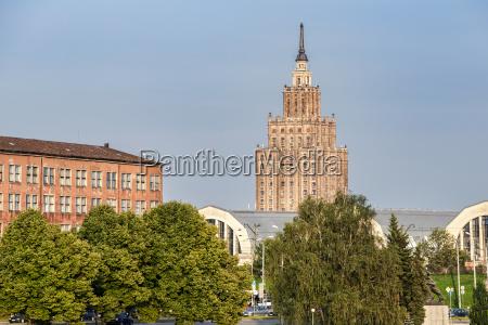 lettland riga zentralmarkt und akademie der