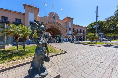 baum skulptur spanien boerse boersengebaeude effektenboerse