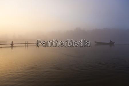 verkehr verkehrswesen nebel stimmung bayern deutschland