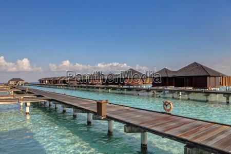 asien wasserbungalows von paradise island