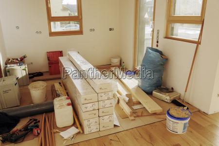 material und werkzeughaltung in der kueche