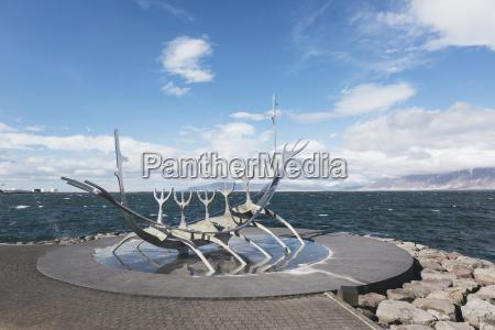 island reykjavik island reykjavik moderne skulptur