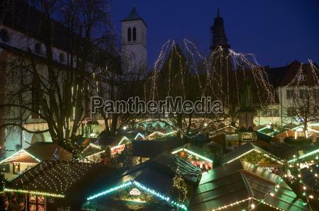 deutschland baden wuerttemberg freiburg leichter weihnachtsmarkt