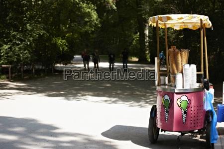 deutschland bayern muenchen eiswagen im englischen
