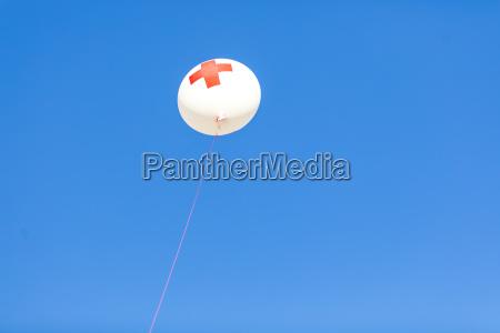 deutschland ballon muenchen roten kreuzes vor