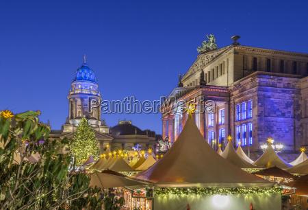 deutschland berlin weihnachtsmarkt am gendarmenmarkt bei