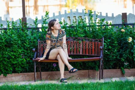 frau weiblich weibchen setzen sitzend sitzen