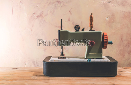vintage spielzeug naehmaschine