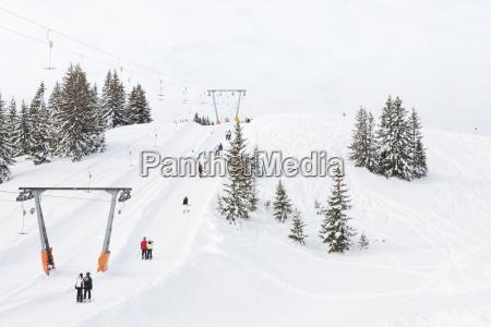 oesterreich saalbach skilift im skigebiet