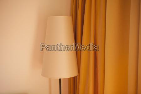 oesterreich lampe und vorhang