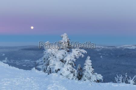 deutschland bayern moonrise auf gipfel des