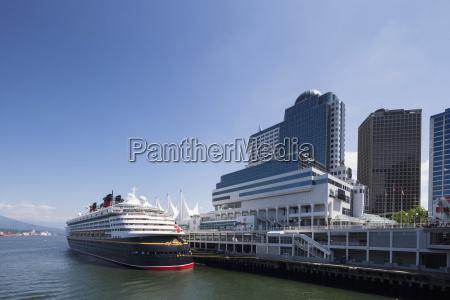 kanada british columbia vancouver kreuzfahrtschiff bei