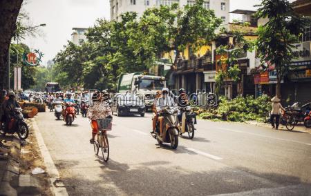 stadt stadtleben radfahrer verkehr verkehrswesen strassenverkehr
