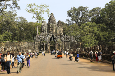 cambodia temple at angkor thom
