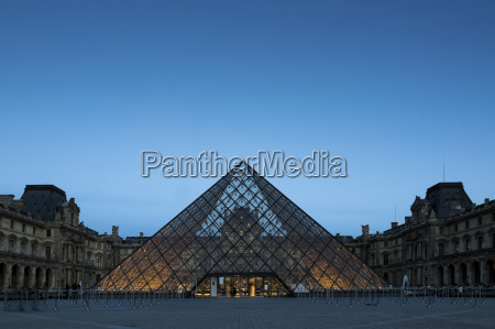 france paris louvre glass pyramide in