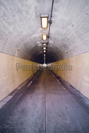 verkehr verkehrswesen ferne beton tunnel vorne