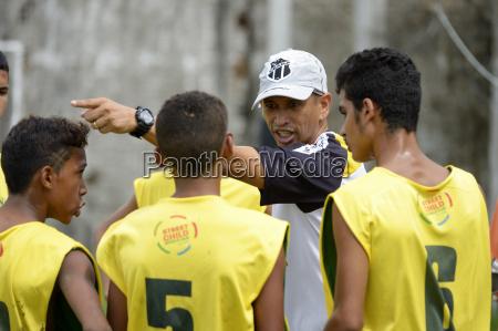brazil fortaleza coach talking to street