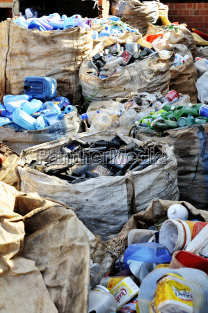 brasilien ceilandia saecke aus verschlossenen plastikabfaellen