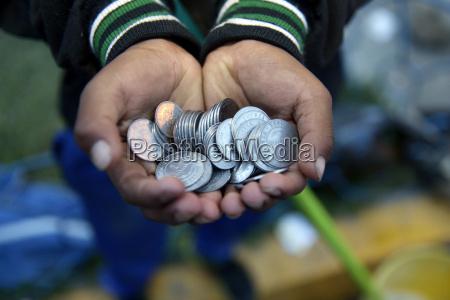 bolivia cochabamba hjemlost barn hand fuld