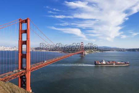usa kalifornien san francisco containerschiff vorbei