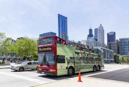 usa illinois chicago tour bus on