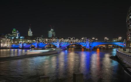 vereinigtes koenigreich england london southwark bridge