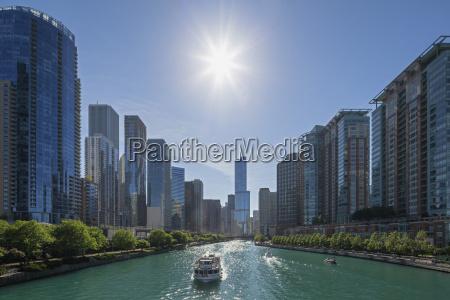 usa illinois chicago tourboat on chicago
