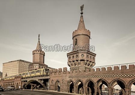 germany berlin view of oberbaum bridge
