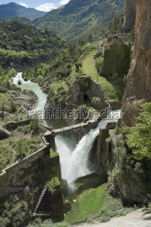 spain aragon yesa dam aragon river