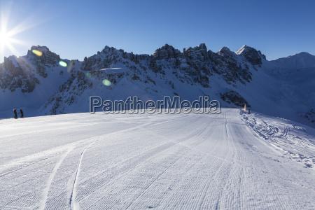 fahrt reisen winter austria sonnenlicht gefroren