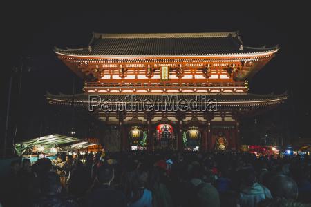 japan tokio asakusa menschenmenge im senso