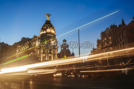 stadt metropole nacht nachtzeit abend verkehr