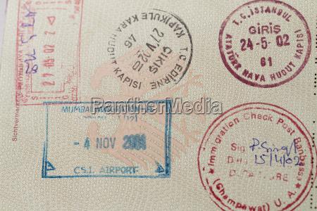 seite mit stempeln im deutschen pass