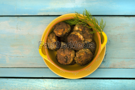 meatballs in bowl close up
