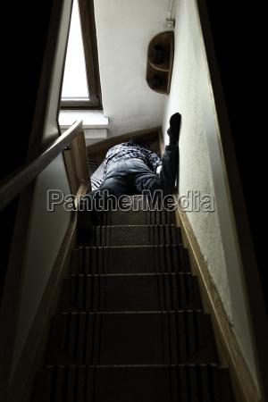 treppe treppen tod fenster luke glasfenster