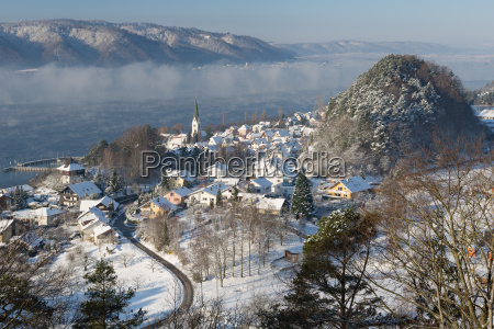 fahrt reisen stadt baum winter nebel
