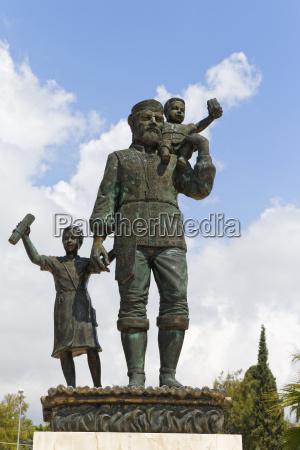 fahrt reisen religion denkmal monument statue