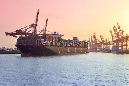 fahrt reisen verkehr verkehrswesen containerschiff logistik