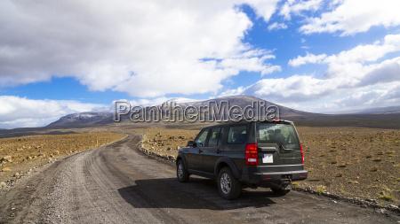 iceland sudurland car on highland road