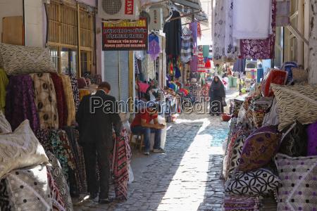 turkey diyarbakir people at bazaar