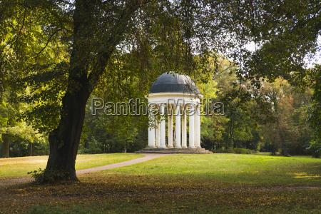 fahrt reisen historisch geschichtlich tempel park