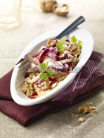 beetroot apple salad with walnuts