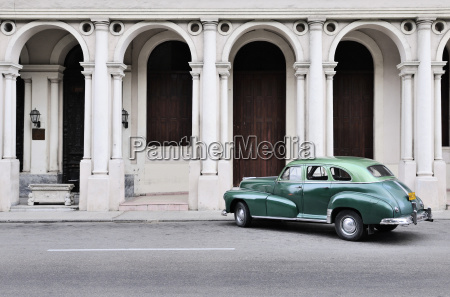 cuba havana parking american vintage car