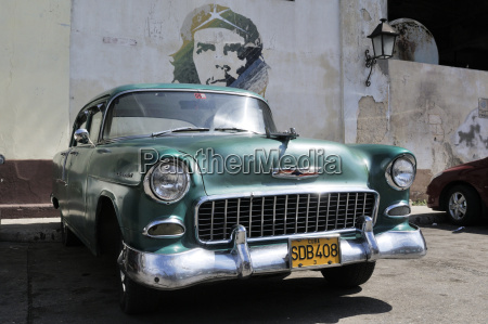 cuba havana american vintage car parking