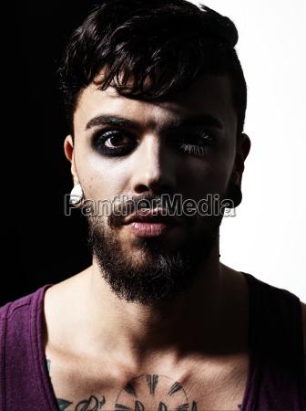 portraet des mannes mit vollem bart