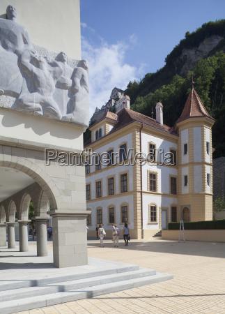 liechtenstein oberland vaduz staatsmuseum und fussgaengerzone