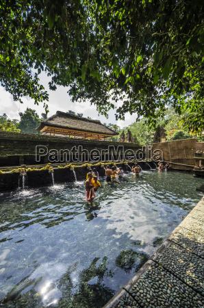 indonesia bali ubud pura tirta empul