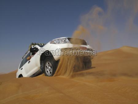 vereinigte arabische emirate abu dhabi jeep