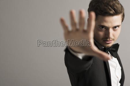 handbewegung menschen leute personen mensch vorderansicht